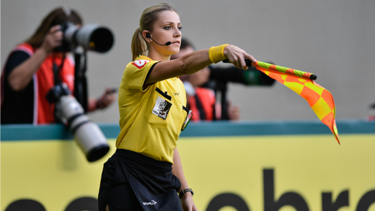 fernanda colombo arbitro mujer por primera vez mundial fifa rusia 2018 trending magazine biografia edad datos